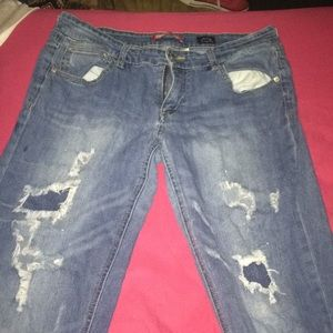Jeans with holes